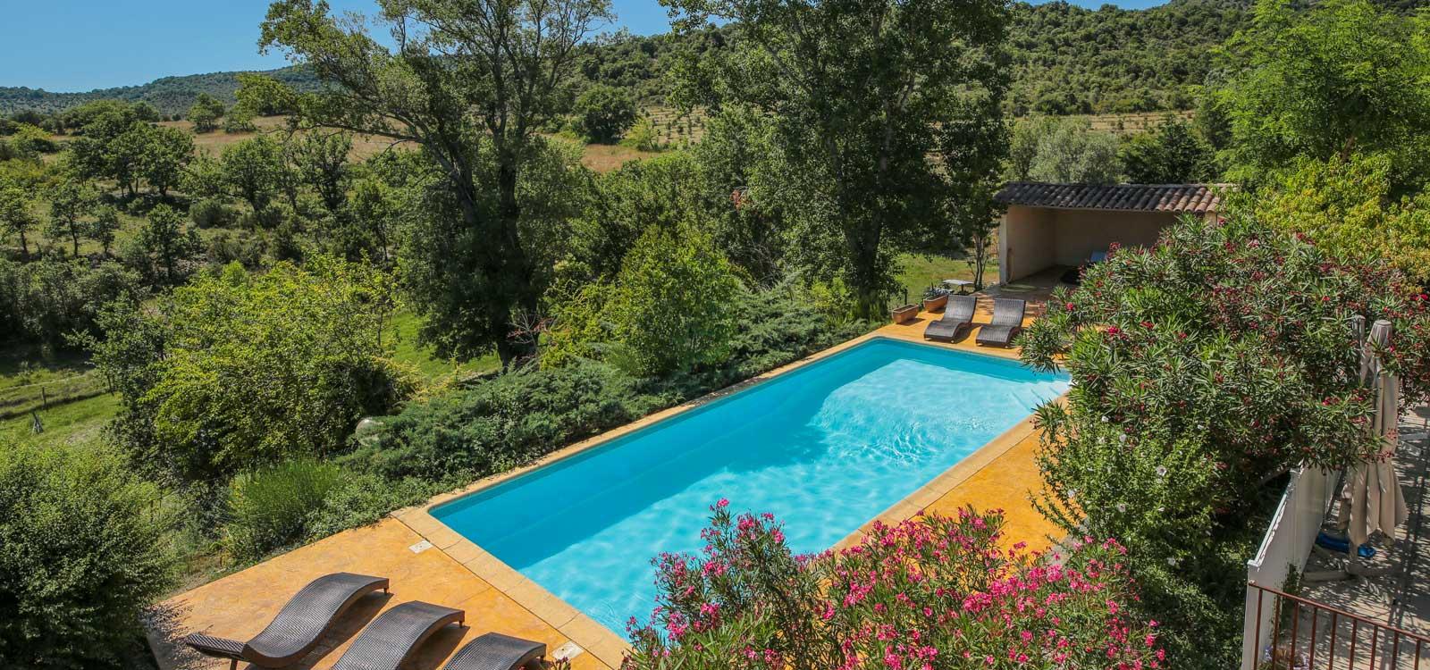 Gîte avec piscine en Ardèche