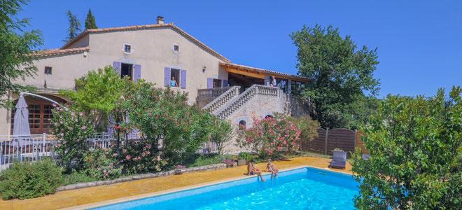 Gite ardeche piscine location gite vallon pont d 39 arc - Gite pyrenees orientales avec piscine ...